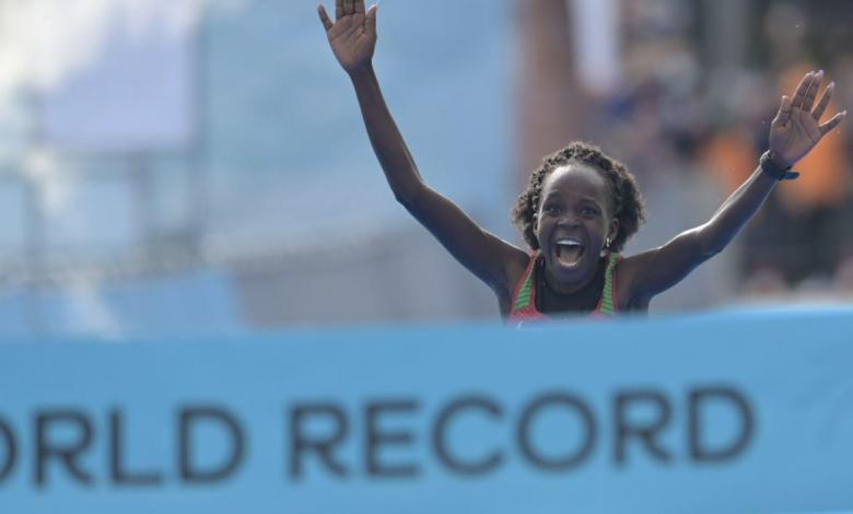 Jepchirchir schlägt den Weltrekord für den Halbmarathon