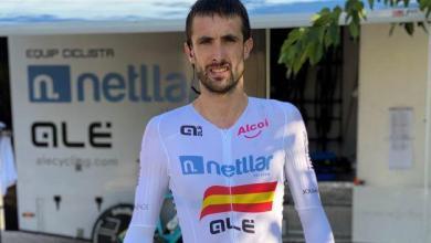Photo of The Burgos-BH cycling team signs Ander Okamika