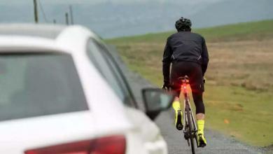 Luz trasera en una bicicleta de carretera
