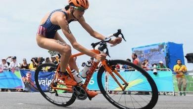 Gwen Jorgensen con la bici robada en Rio 2016