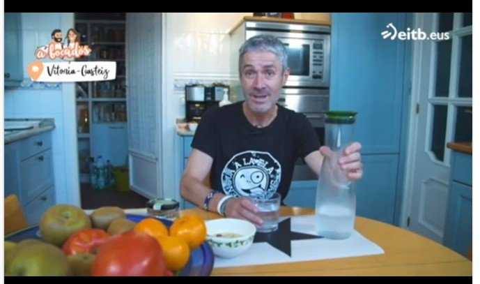 Martín Fiz erzählt, dass er frühstückt