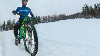 Pello Osoro entrenando con la bicicleta en la nieve