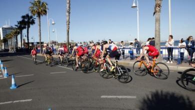 Segmento ciclista en un triatlón de Melilla