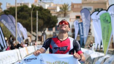 Joan Nadal winning the 2021 Portocolom Triathlon