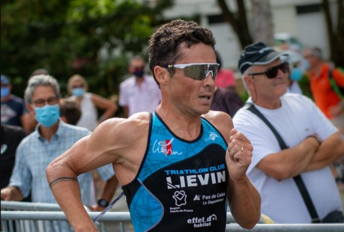 Javier Gómez Noya segundo en el Grand Prix francés de Dunkerke