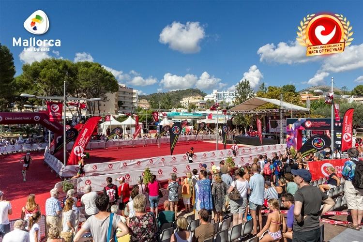 Zona de meta con público del Challenge Peguera Mallorca