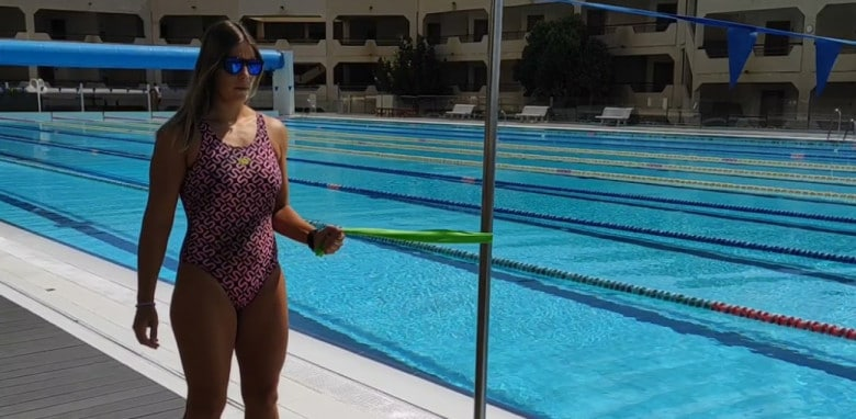 Exercises with rubber bands for swimming